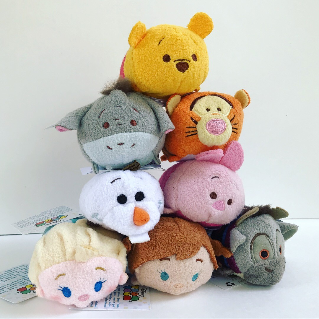 tsum tsums of Anna, Elsa, Sven, Olaf, Pooh, Tigger, Eeyore, and Piglet.