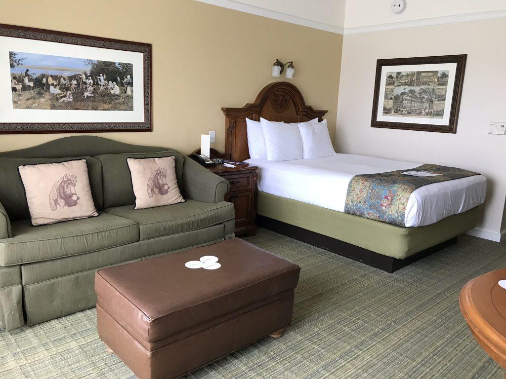 bed and sofa in DVC Studio Villa at Saratoga Springs
