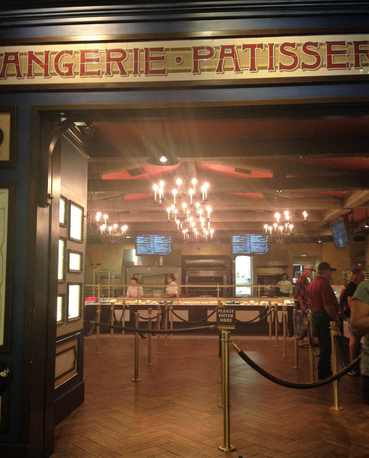 view of the food line area at Les Halles Boulangerie Patisserie