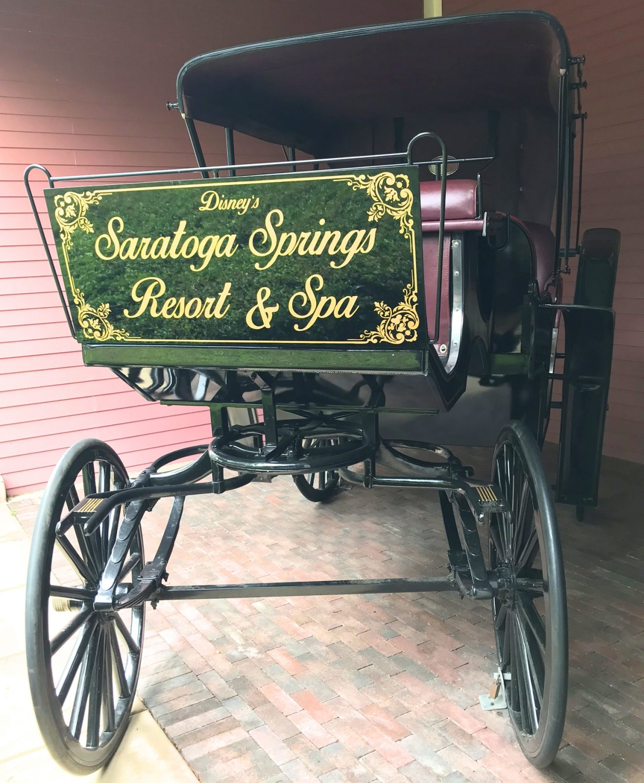 horse buggy with saratoga springs resort and spa sign