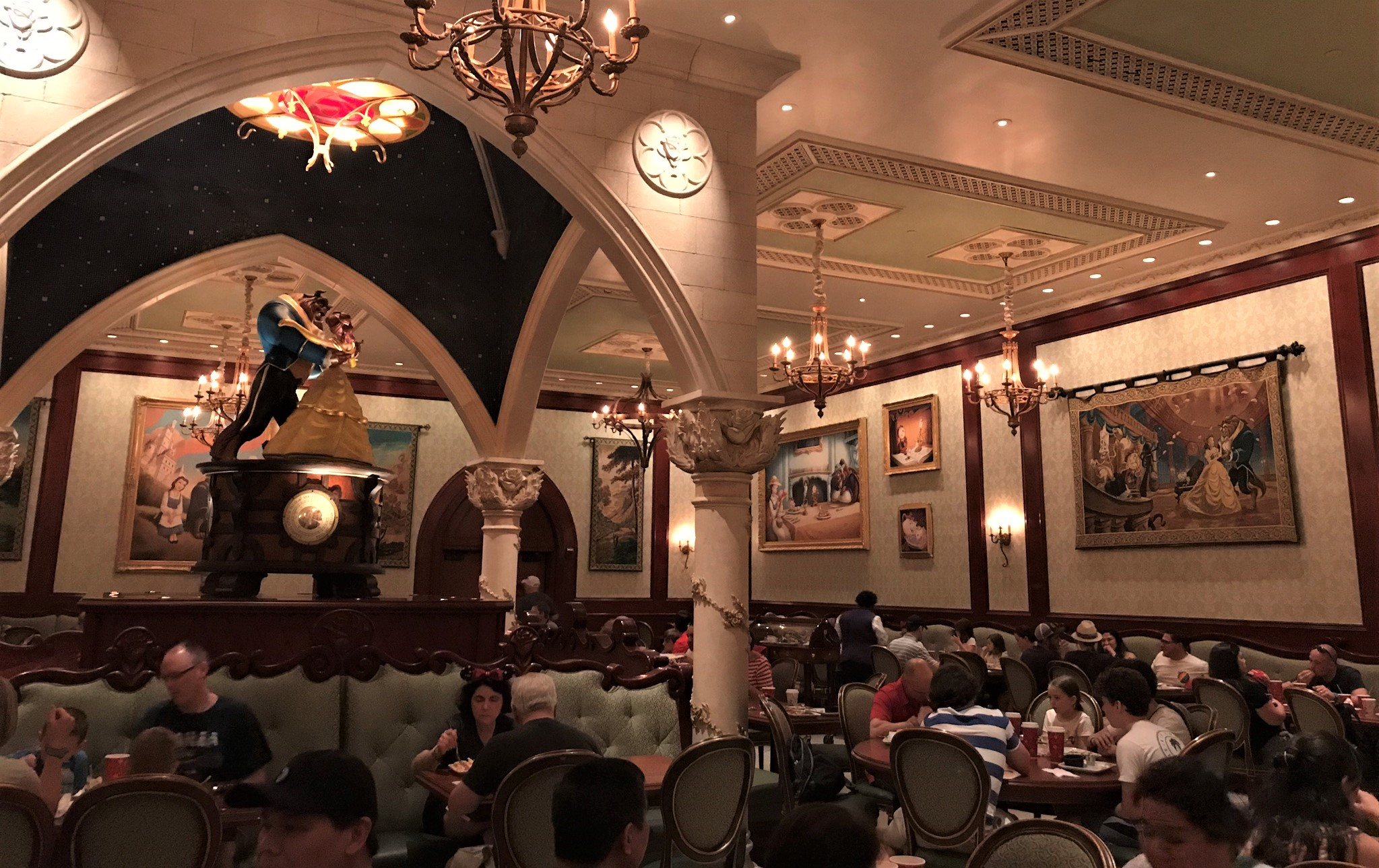castle gallery dining room at be our guest restaurant