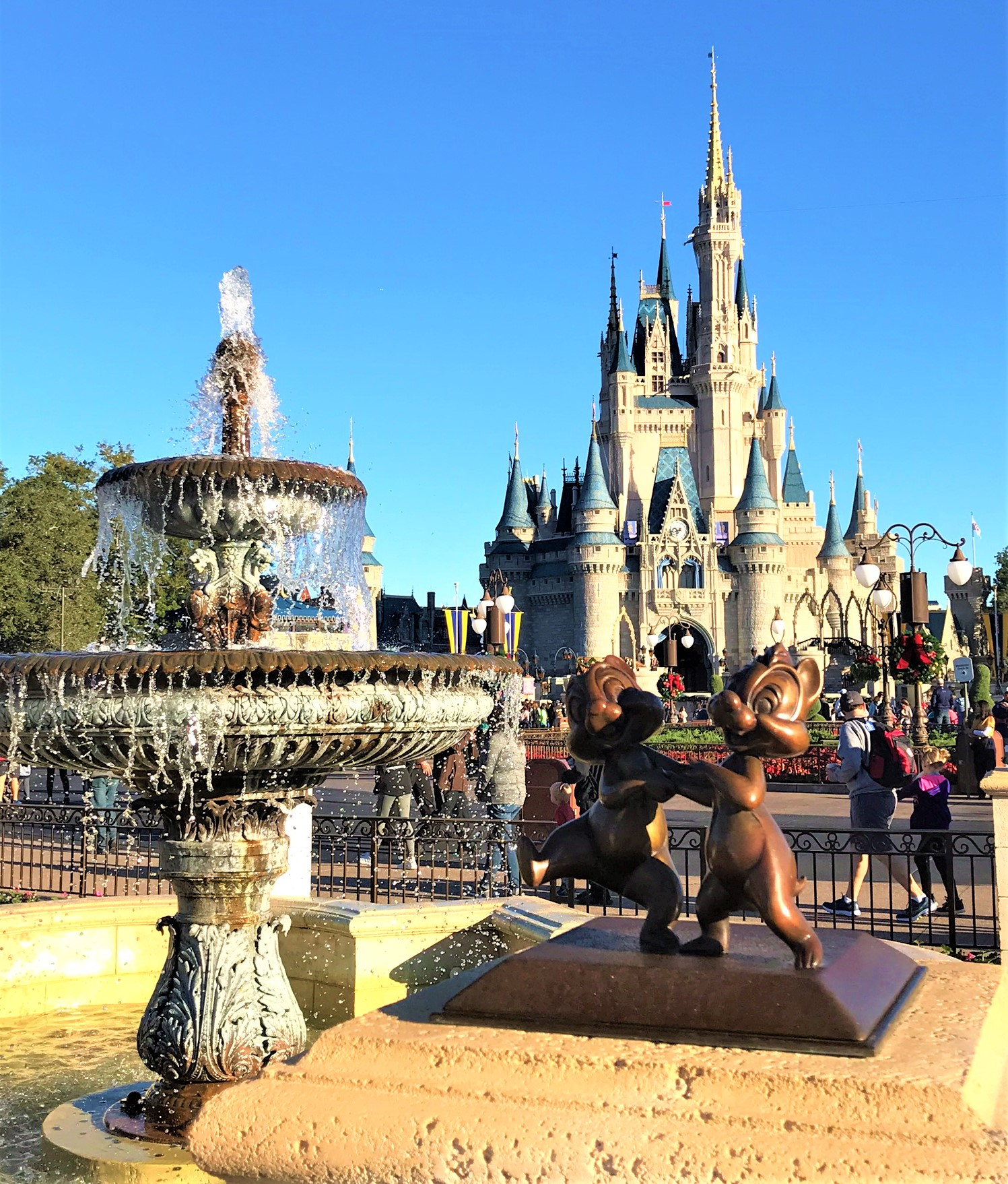 fountain in front of cinderella castle in magic kingdom