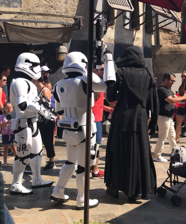 Storm trooper characters walking around Galaxy's Edge