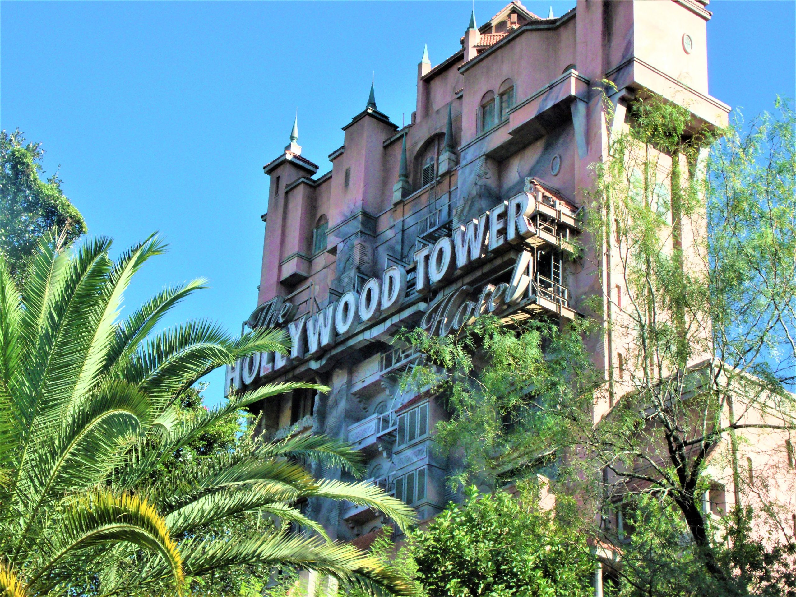 front of hollywood tower of terror