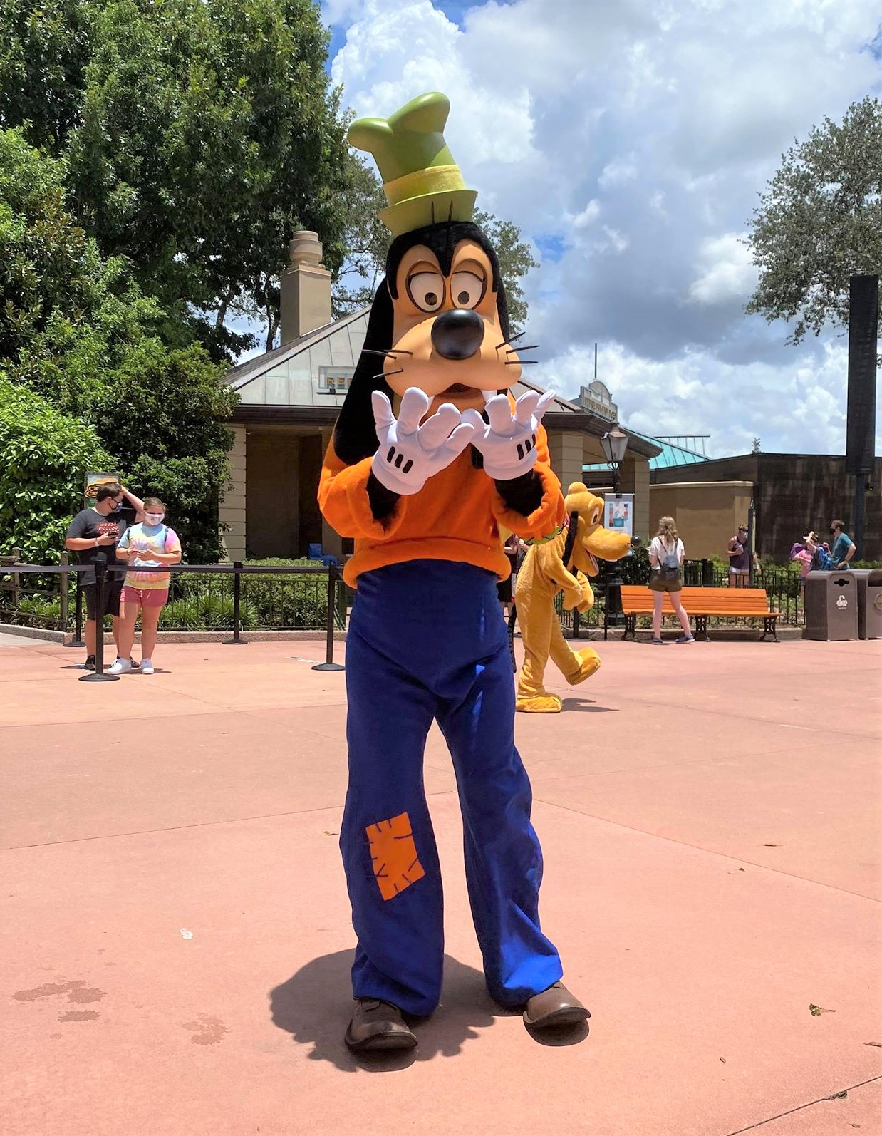 goofy in epcot